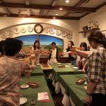 島田電機の全部署で元気に活躍する女性たちが、部署を越えてみんなで集まって楽しく飲みましょう!という画期的な会、その名も「島田美女会」が開催されました!普段はなかなか話す機会のないメンバーと親睦を深められたり、まだ知らない一面を垣間見れたりと、島田女子のチーム力が高まった楽しいひと時になりました。 2018年7月