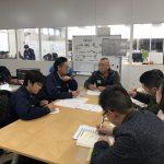 日本と上海の同部署のメンバーでグループ間勉強会を開催し、日本語と中国語の両方を話せるメンバーに通訳をしてもらいながら、活発な意見交換を行いました。上海メンバーはあらかじめ質問事項をたっぷり用意していて、本社の取り組みに興味津々。お互いの社内での活動を話し合い、理解を深め、刺激を与えあった画期的な時間になりました。まだまだ聞きたいことがいっぱい!ということで、また次回に期待です♪ 2018年3月