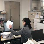 """東京都仕事センターが実施している""""女性再就職サポートプログラム""""の『職場体験』に、島田電機もご協力させていただきました。今回は検査グループで、検査履歴表を作成していただき、事務のお仕事を体験していただきました。島田電機は働く女性を応援しています! 2018年1月"""